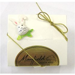 White Easter gift box - 4 chocolates $8.50 PLEASE NOTE EASTER ITEMS ARE SUBJECT TO AVAILABILITY  ORDERING EARLY IS ADVISABLEContains 4 chocolates of your choice see The Menu or a ready made Easter assortment in an Easter decorated white box  Please . Please Click the image for more information.